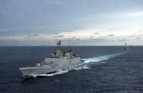 Indian warships enter South China Sea